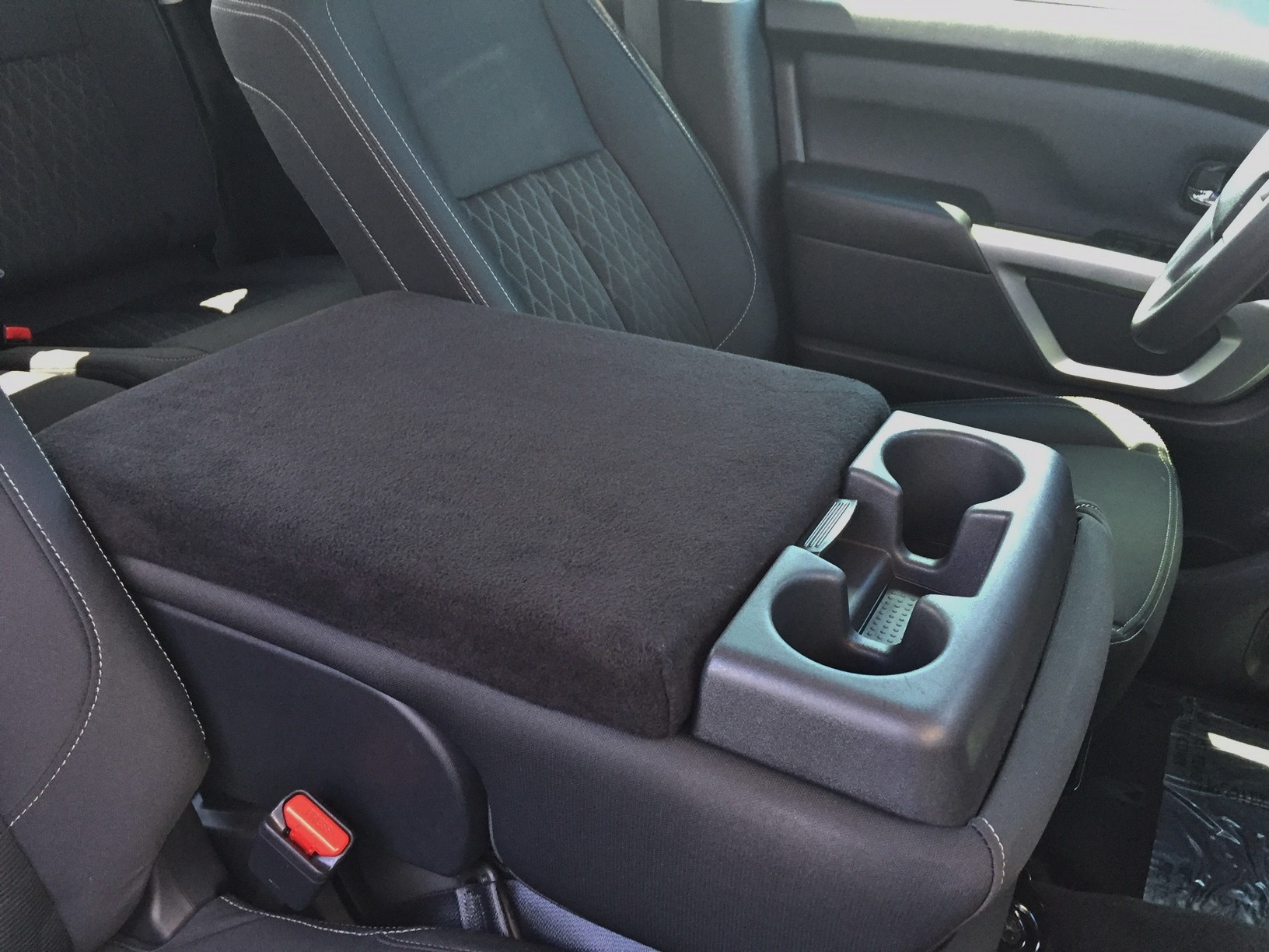 Nissan Titan 2013-2020 - (With Third Front Middle Seat)- Fleece Console Cover